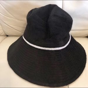 Juicy Couture reversible hat